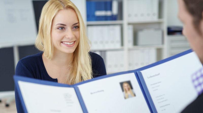 La información adecuada en un currículum adecuado